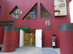 El Juguetionista (Juguetes vintage y de colección): Tal para cual: Libros y obras de Ayax Barnes y Beatriz Doumerc en el Museo del Libro (Bs. As. Argentina)