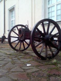 Deszczowa #wiosna nie oszczędza naszego #arsenał.u ;)  #PMA #poniedziałek #Warszawa #Muzeum #artyleria