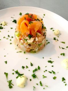 Salmon tartare with lime mayonnaise - WDF Tapas, I Love Food, Good Food, Yummy Food, Chefs, Sandwiches, Deli Food, Cooking Recipes, Healthy Recipes