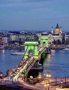 https://flic.kr/p/RJC2ZE   Chain bridge and St.Stephen basilica-dusk in Budapest(Széchenyi lánchíd,és a Szent István bazilika)