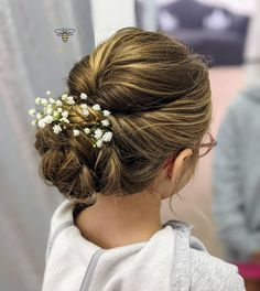 If you have a wedding coming up and your daughter seems like a good fit for a role of a flower girl - you're exactly where you need to be! You can ask... Pigtail Hairstyles, Flower Girl Hairstyles, Retro Hairstyles, Popular Hairstyles, Little Girl Hairstyles, Loose Hairstyles, Wedding Hairstyles, Gorgeous Blonde, Gorgeous Hair