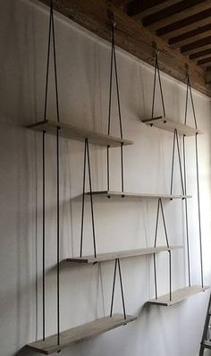 Happy New Year 2019 : Suspended shelves-Hanging shelves-étagères suspendues Sur Suspended Shelves, Diy Hanging Shelves, Diy Casa, Oak Shelves, Diy Furniture, Nordic Furniture, Diy Home Decor, Bedroom Decor, New Homes
