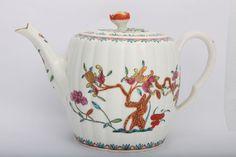 Rare First Period Worcester Porcelain Barrel Shape teapot circa 1770. Leo Kalan Ltd