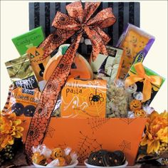 Halloween isn't just for kids Adults and children alike will surely enjoy the delectable treats in this Hauntingly Delicious Gourmet Halloween Gift Basket. Halloween isn't just for Halloween Peeps, Halloween Party Decor, Halloween Treats, Spooky Halloween, Happy Halloween, Fall Gift Baskets, Halloween Gift Baskets, Easter Baskets To Make, Party