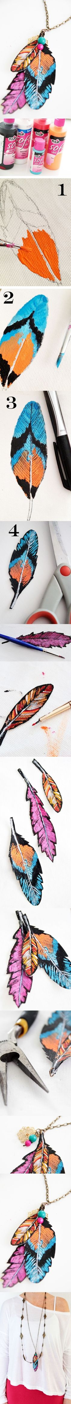 DIY :: fabric feathers from canvas DIY: faux feather pendants by Alisa Burke (fabric paint on fabric) Fabric Feathers, Painted Feathers, Painted Leaves, Ideas Joyería, Craft Ideas, Fun Crafts, Arts And Crafts, Do It Yourself Jewelry, Ideias Diy
