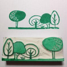 Sello de goma pequeño bosque tallado a mano por Natàlia Trias (de una goma de…