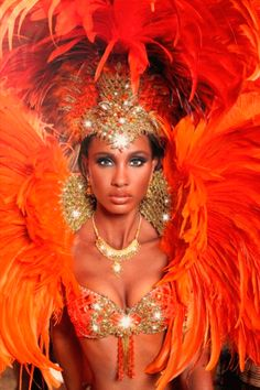 Brazilian Carnival Costumes, Black Is Beautiful, Beautiful Women, Red Images, Fantasy Women, Girl Dancing, Mardi Gras, Captain Hat, Dancer