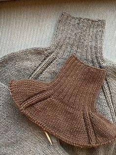 Sweater Knitting Patterns, Baby Knitting, Knitting Sweaters, Tricot Simple, Knitted Headband, Knit Fashion, Fashion Fashion, Ravelry, Knit Crochet