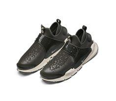 #NikeLabXStoneIsland _ Sock Dart Mid stoneisland.com