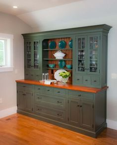 Best Nantucket Kitchen Storage Pantry Cabinet In A Distressed 400 x 300