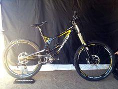 2013 Nuke Proof Pulse downhill mountain bike