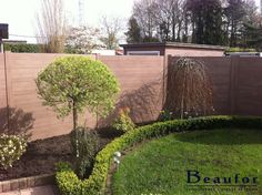 BEAUFOR Pinutura - kunststof tuinafsluiting die je niet moet onderhouden! Vraag snel je offerte aan op www.beaufor.be.