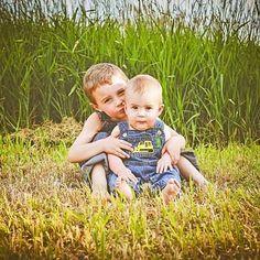 #babyphotographer #centralillinoisphotographer #myboys #melissa__ann__photography #overalls #countryliving #summertimeshine #boys #brothers