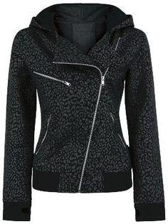 Short cut girlie hooded zip in old school biker jacket style in leopard-look - angular zipper - 3 zipped pockets - thumb holes - secret pocket in the sleeve. Style Me, Cool Style, Leopard Print Jacket, Leopard Sweater, Look Fashion, Womens Fashion, Lolita Fashion, Biker Chic, Swagg