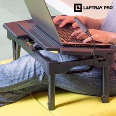 Usa il tuo PC portatile con tutta la comodità grazie al tavolino multifunzione per PC portatile Laptray Pro! Un tavolino pieghevole con luce LED. Ideale per il