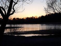 Ilta-aurinkoa Mountain, Celestial, Sunset, Outdoor, Outdoors, Sunsets, Outdoor Games, The Great Outdoors, The Sunset