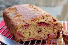 PALEO STRAWBERRY BANANA BREAD RECIPE Ingredients 3 organic ripe bananas, mashed 2 Organic eggs 2 tsp baking powder ½ cup chopped pecans 1¼ cup almond meal ¼ tsp baking soda ½ cup strawberries coconut oil ¼ tsp cinnamon