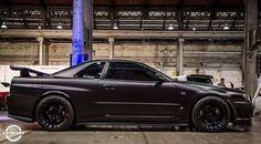 Nissan Skyline GTR = sex on wheels Nissan Gtr R34, Godzilla, Street Racing Cars, Auto Racing, Drag Racing, Nissan Gtr Skyline, Bugatti, Maserati, Tuner Cars