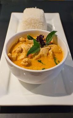 "Healthy Recipe | Red Coconut Curry with Chicken & Jasmine Rice :: ""So, so good! Making this for the second time tonight. This time I'll be adding in some pineapple for some nice sweet flavor.""~Miranda ... #Thai #comfort food #favorite"