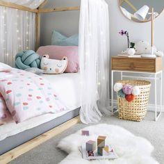 Акварель и подушки в интерьер (@devil_may_craft) в Instagram: «Подушки в детской комнате это нечто универсальное и трудно-заменимое! Почему? Во-первых, на…»