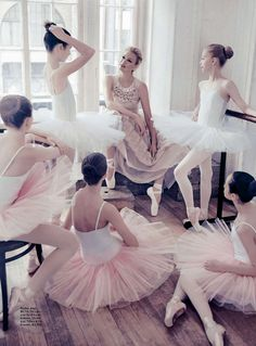 Sarah Murdoch in Rochas by Steven Chee for Vogue Australia August 2014 - The Pink Ballerina Ballet Class, Ballet Dancers, Ballerinas, Ballet School, Ballet Girls, Dance Photos, Dance Pictures, Sarah Murdoch, Tiny Dancer