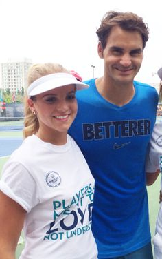 ROGER FEDERER warming up on the practice courts for the 2014 Rogers Cup yesterday.  Roger was also nice enough to take a photo with our Mayfair Team. #Betterer