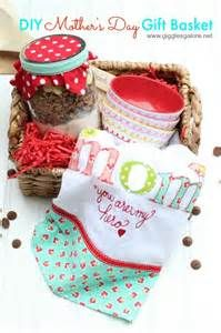 Mother's Day DIY Gift Basket Ideas ** You can get more details by clicking on the image.