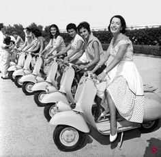 Motorcycle Rallies, Scooter Motorcycle, Motorcycle Design, Vespa Girl, Scooter Girl, Motor Scooters, Vespa Scooters, Triumph Motorcycles, Custom Motorcycles