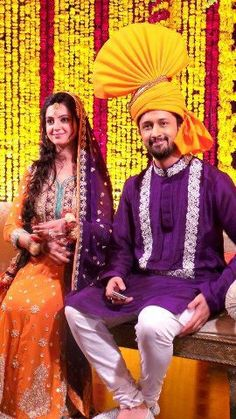 Color coordinated outfits for Mehendi night. Pakistani singer Atif Aslam ties the knot with Sara Bharwana-his longtime GF