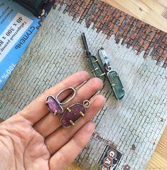 Серьги с турмалинами – купить в интернет-магазине на Ярмарке Мастеров с доставкой Bangles, Bracelets, Sterling Silver Earrings, Earrings Handmade, Natural Stones, Crafts, Jewelry, Jewlery, Jewels