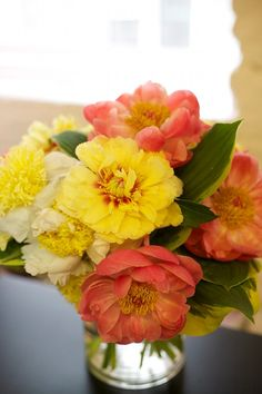 P is for Peony. Warm summery color palette for flower arrangements. #designsponge #dssummerparty