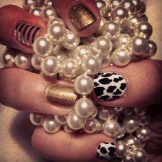 Leopard and Gold Manicure #GoldSparklesJN #LeopardJN #MetallicGoldPinstripeJN #jamminwithalyssa #jamberrynails