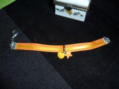 bracelet coton et apprêts orange et jaune : Bracelet par chris-crea