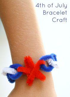 of July Craft Bracelet for Kids - Fantastic Fun & Learning diy of july crafts for kids - Kids Crafts Preschool Crafts, Diy Crafts For Kids, Projects For Kids, Art For Kids, Craft Ideas, Kids Fun, Fourth Of July Crafts For Kids, Preschool Prep, Kids Camp
