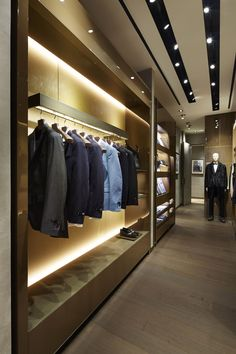 In the Parisian district Le Marais, Fendi has opened a new boutique entirely dedicated to menswear lines and accessories.