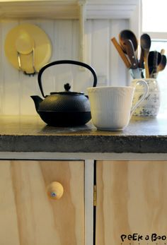 Easy DIY redesign of your kitchencabinets in plywood-Details of the fittings.-blog.peekaboodesign.dk