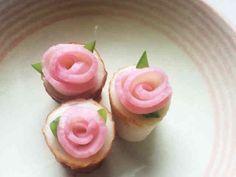 Food Carving, Vegetable Carving, Food Trays, Asian Desserts, Edible Art, Food Plating, Japanese Food, Bon Appetit, Food Styling