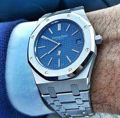 Audemars Piguet Royal Oak 15202 Jumbo Dream Watches, Cool Watches, Rolex Watches, Audemars Piguet Gold, Audemars Piguet Watches, Vintage Watches For Men, Luxury Watches For Men, Ap Royal Oak, Men Accesories