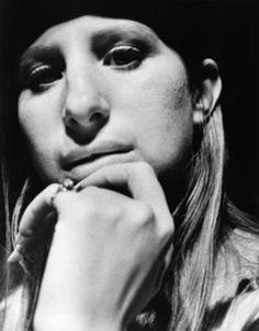 Barbra Streisand 1971 Beautiful Voice, Most Beautiful, 24 Avril, Legendary Singers, Barbra Streisand, Lady And Gentlemen, Hello Gorgeous, Celebs, Celebrities