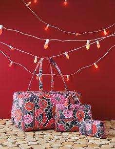 Vera Bradley Winter Large Duffel in Cheery Blossoms, Hanging Organizer in Cheery Blossoms, and Large Cosmetic in Cheery Blossoms. Girls Accessories, Fashion Accessories, Vera Bradley Patterns, Preppy Girl, Backpack Pattern, Jolly Holiday, Garment Bags, Prop Styling, Cute Bags