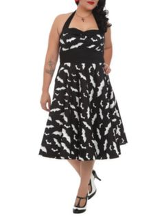 Hell Bunny Bat Dress 2XL-4XL Have to find something my size, but I love the BATMAN-esque look