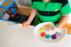 Make an Easy Painters Palette For Toddlers From Paper Plates