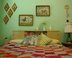 Love this kitschy retro bedroom. I already have those diamond-shaped plaques in my living room though. Vintage Room, Bedroom Vintage, Mint Green Walls, Retro Bedrooms, Mid Century Bedroom, Retro Home Decor, New Room, Decoration, Bedroom Decor