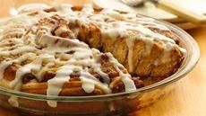 Giant Cinnamon-Cheese Danish~ This easy, king-size cream-cheese danish is great for a Christmas breakfast gathering. It will wow your family & guests! Brunch Recipes, Breakfast Recipes, Breakfast Ideas, Yummy Recipes, Breakfast Pastries, Breakfast Dishes, Breakfast Casserole, Quick Recipes, Appetizer Recipes