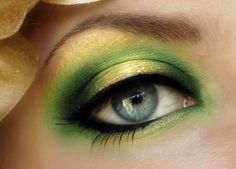Green Yellow Eyeshadow with Black Eyeliner http://berryvogue.com/makeup
