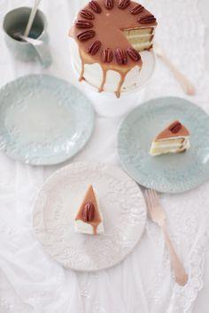 Fräulein Klein : Pekannusstorte mit weißer Schokoladencreme und Brandykaramell