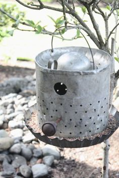 My Sweet Savannah: ~repurposing and recreating with a minnow bucket as a bird feeder... so cute!