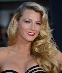 Blake Lively perfects an Old Hollywood glam look. #beauty #makeup