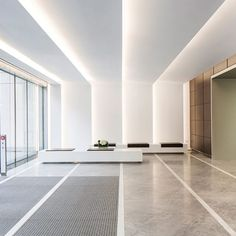 LumiGroup, founded in is Quebec's largest lighting agency. It represents a vast number of lighting manu… Lobby Interior, Office Interior Design, Office Interiors, Interior Architecture, Pop False Ceiling Design, Wall Design, House Design, Br House, Hospital Design