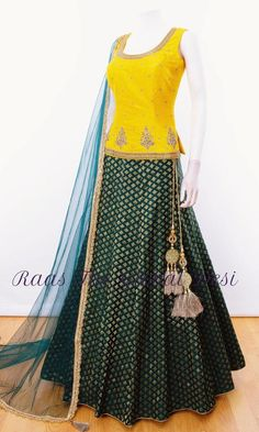 It is once again time to gear up for epic Garba nights with majestic chaniya choli . shop chaniya choli for Navratri now. Half Saree Designs, Choli Designs, Lehenga Designs, Saree Blouse Designs, Dress Designs, Blouse Lehenga, Lehnga Dress, Lehenga Choli Online, Lehenga Gown